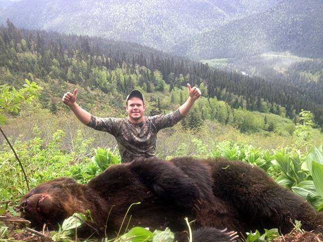 Grizzly Bear Hunts In Bc Grizzly Hunt With Robson Valley
